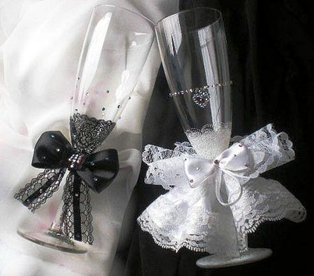 Как украсить бокалы для шампанского своими руками